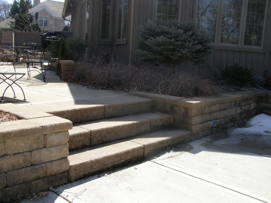Paver Stairway and Seat Wall Image